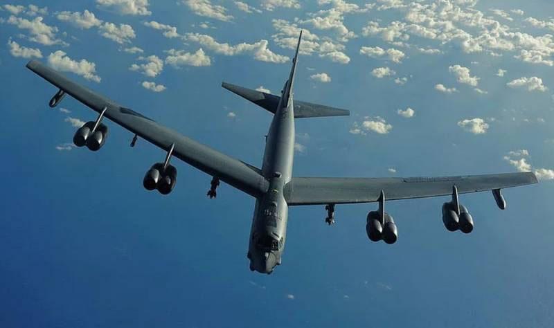 Исключение тяжелого стратегического бомбардировщика В-52Н из учета по Договору СНВ-3 дает американской стороне возможность в кратчайшие сроки нарастить потенциал своих стратегических наступательных ядерных сил,