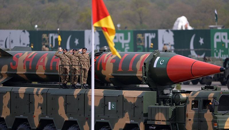 Пакистанская трехступенчатая твердотопливная ракетя «Шахин-3».