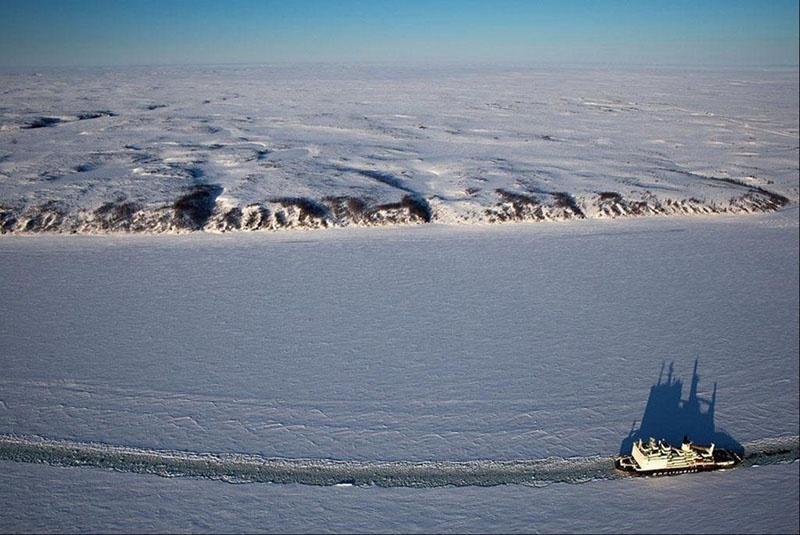 СМП территориально располагается вблизи морских границ России.