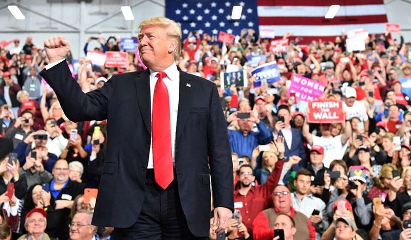 Трамп проводит кампанию по сбору средств на выборы-2020.