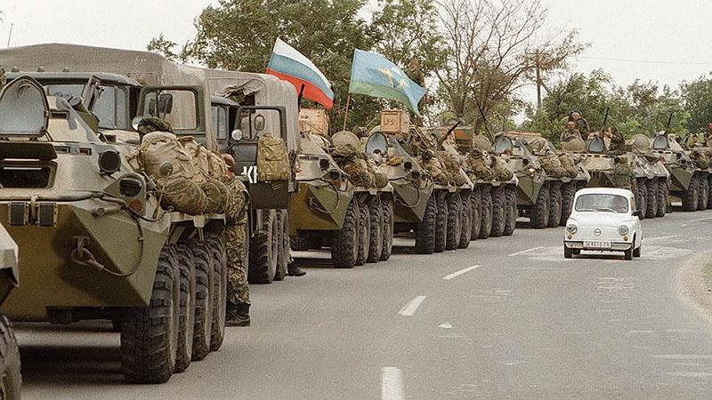 Марш-бросок в Косово - 200 российских десантников против НАТО.