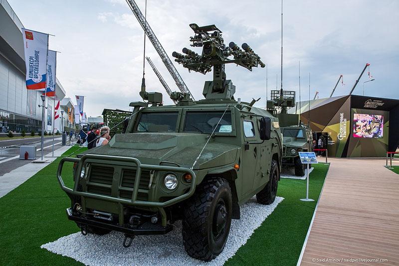 Комплекс «Гибка-С» разработан на базе бронированного автомобиля «Тигр-М».
