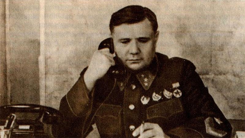 Командующим войсками Юго-Восточного фронта генерал А.И. Еременко.