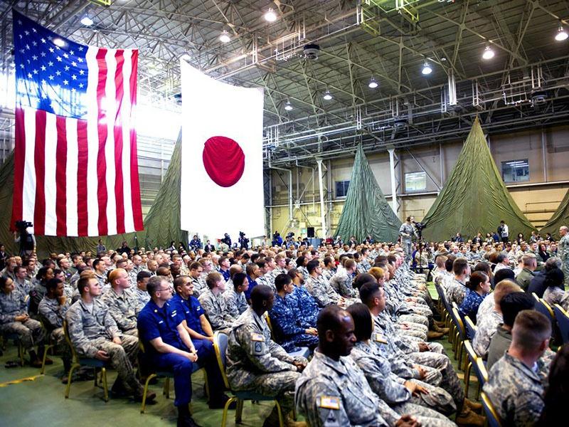 База США в Хеноко, Япония - 72,2 % окинавских избирателей проголосовали против американского присутствия.