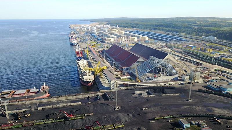 Усть-Луга — морской торговый порт на северо-западе России.