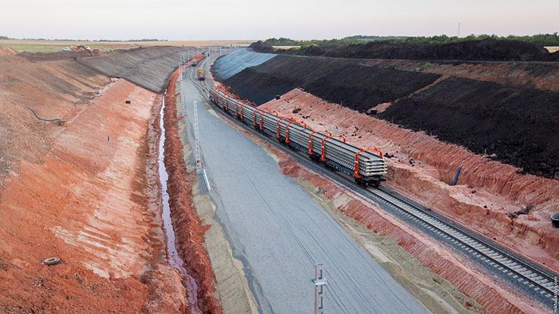 Россия построила и железнодорожную ветку в обход Украины.