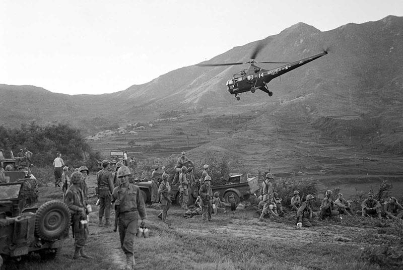 Американские войска высадились в Ичхоне, поддержав остатки южнокорейской армии.