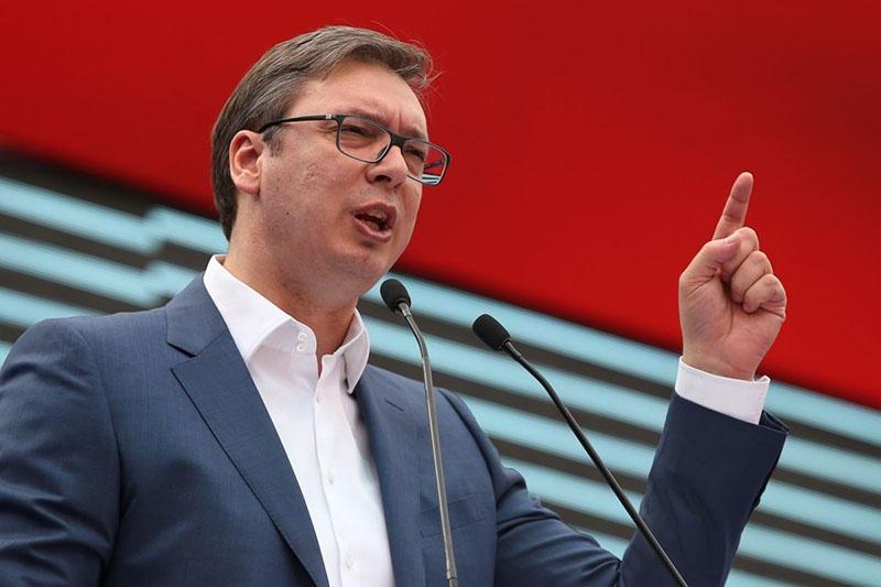 Президент Сербии Александр Вучич обвиняет в организации провокаций и акций протеста олигархов.