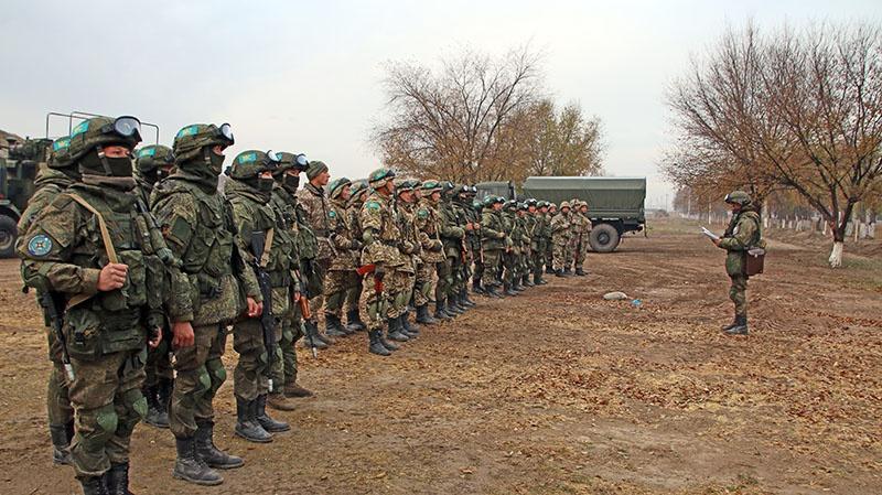 Спецподразделения государств-членов ОДКБ получают задачу перед выходом.