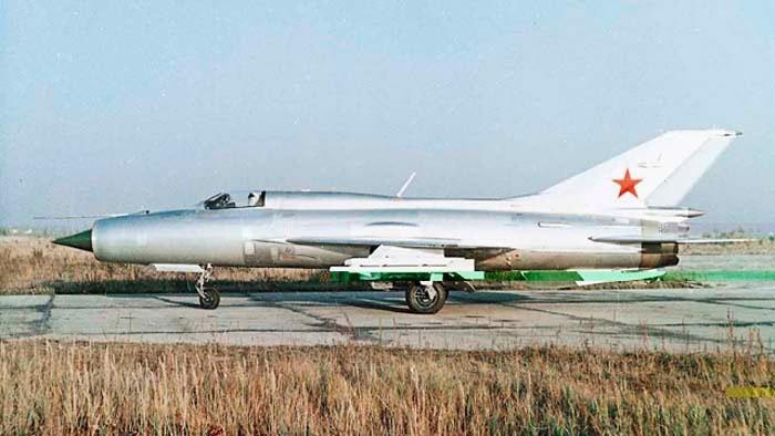 МиГ-21 принят на вооружение в 1959 году.