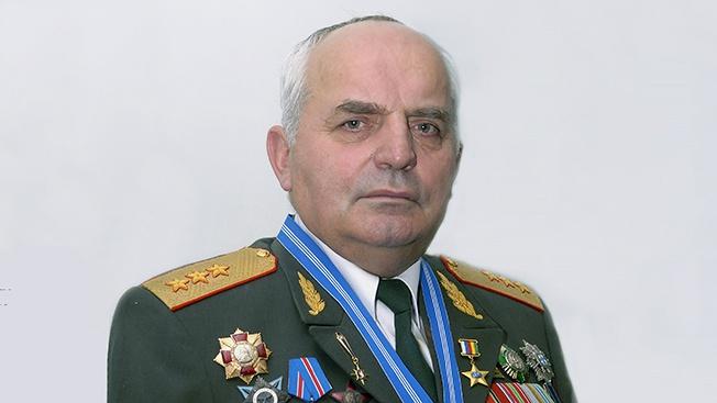 Генерал-полковник Николай Кошман. От Маргелова -  часы, от Путина - спецзадание