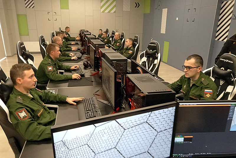 Ученые и инженеры ядерного центра проявили интерес к молодым коллегам из научных рот технополиса.