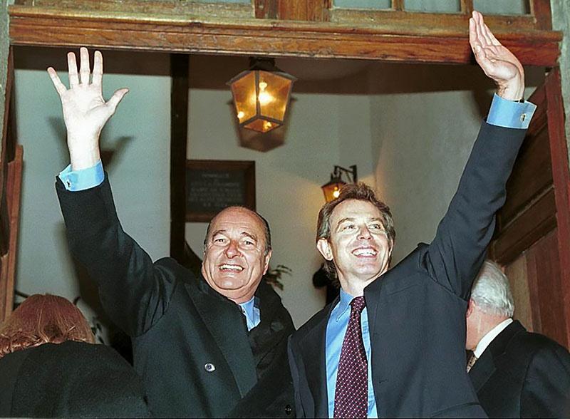 Тони Блэр и Жак Ширак после франко-британского саммита в Сен-Мало.