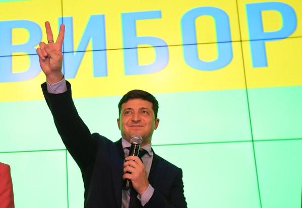 Актер Владимир Зеленский набрал большее количество голосов.
