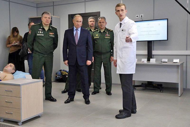 Во время визита президента Владимира Путина в академию.