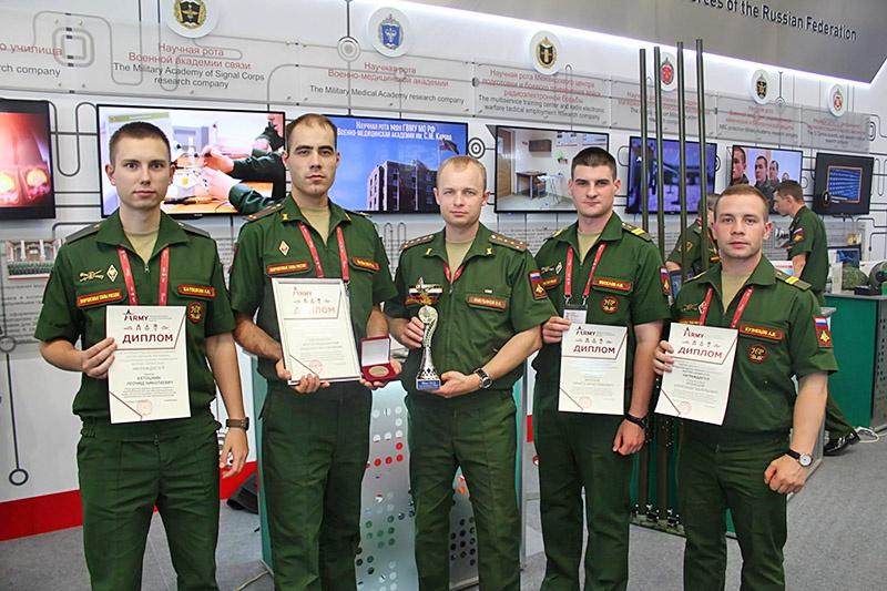 Военнослужащие научной роты № 8 с дипломами Форуме «Армия-2018».