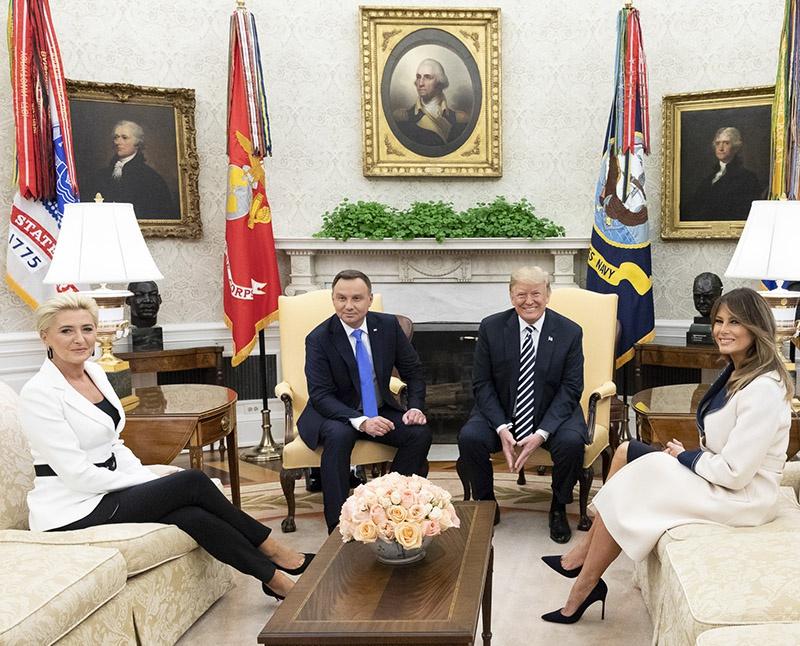 Президент Польши Анджей Дуда даже придумал название для будущей военной базы - «Форт Трамп».