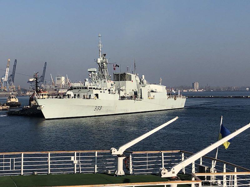 Канадский фрегат «Торонто» в порту Одессы.