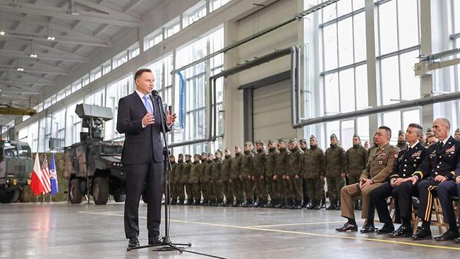 «Форт Трамп»: зачем НАТО собирается строить в Польше хранилище для американской бронетехники?