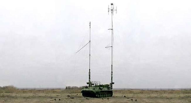 Автоматизированная станция помех комплекса «Борисоглебск-2» тотально подавляет сотовую связь в радиусе до нескольких десятков километров..