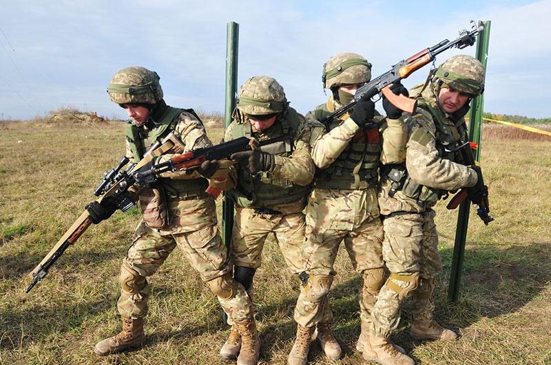 Особое внимание уделяется диверсионной подготовке украинских военных.