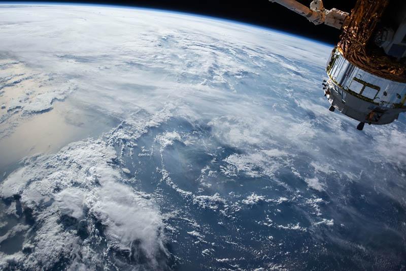 Спутники-разведчики могут эффективно работать только в условиях полного отсутствия облачности.