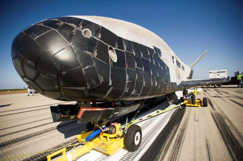 Прототип перспективного беспилотного орбитального космолёта.