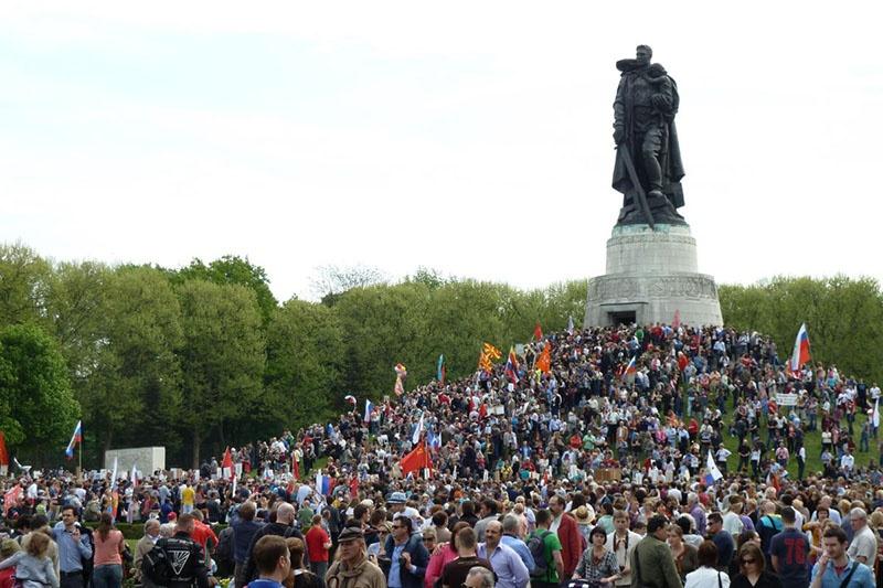 Памятника Воину-освободителю в Берлинском Трептов-парке.