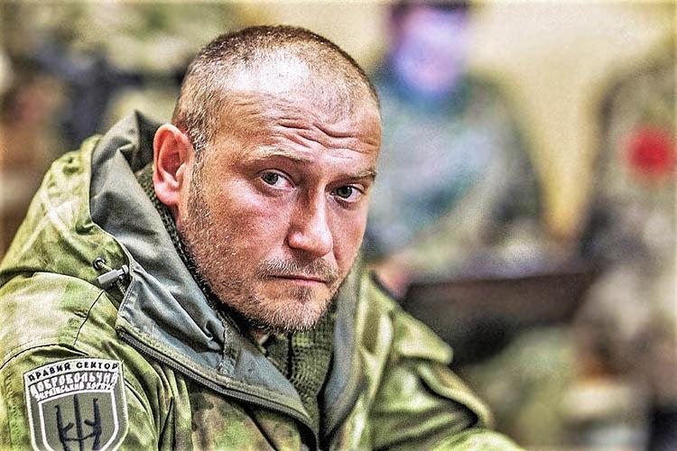 Бывший лидер «Правого сектора» Дмитрий Ярош утверждает, что «снимать власть» они («настоящие» украинцы) научились.