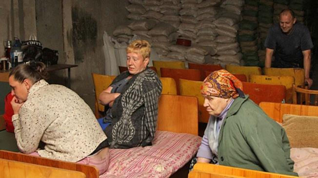 Горловка: как жители годами выживают в подвале