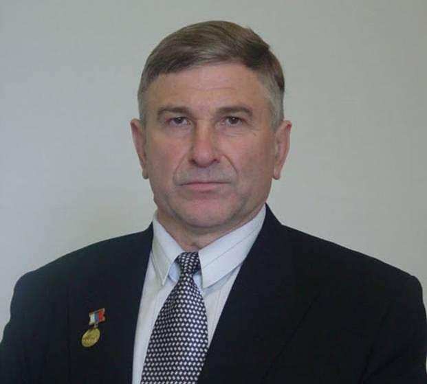 Гениальный физик и механик Владимир Леонов с честью прошёл через все испытания и с большим трудом сохранил себя и результаты своих исследований.