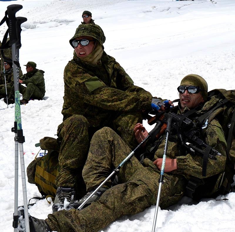 «Эльбрусское кольцо» - теперь это популярные международные соревнования, участвовать в которых считают за честь военные альпинисты ближнего и дальнего зарубежья.