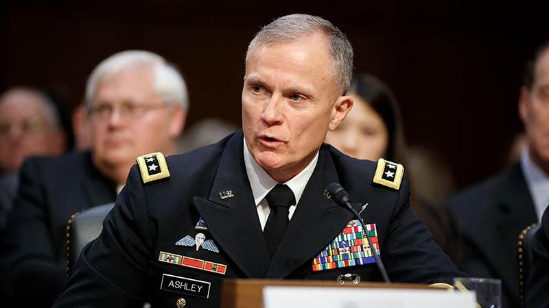 Директор разведывательного управления Пентагона генерал-лейтенант Роберт Эшли говорит на языке витиеватой абракадабры.