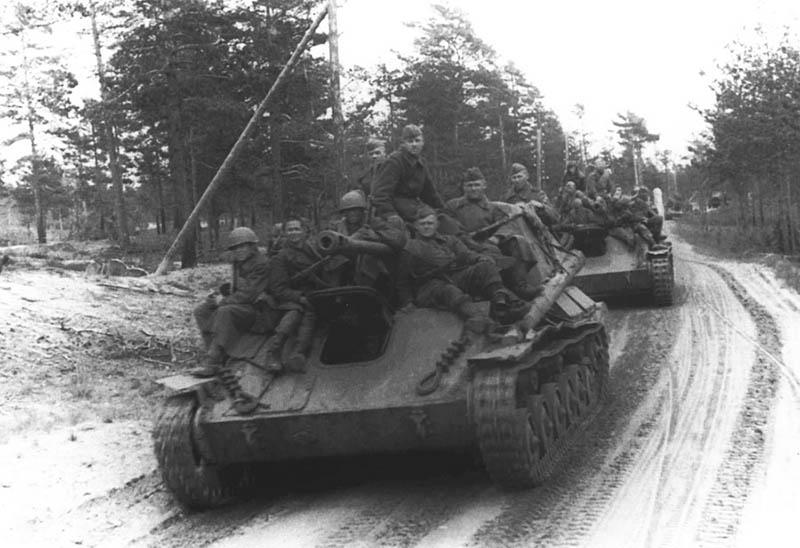 Очень помогла и наша артиллерия: все зафиксированные вражеские огневые точки были уничтожены прицельными ударами.