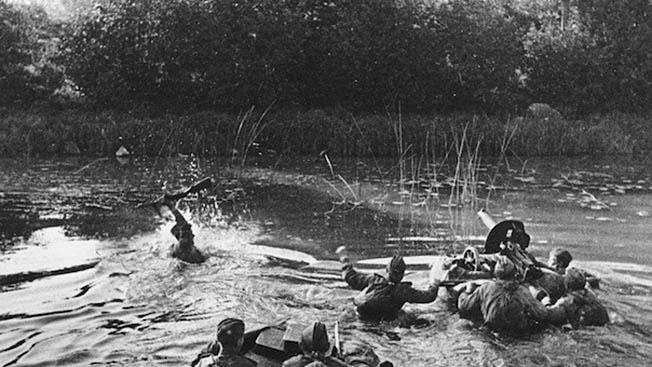 Операция на Свири: как 12 смельчаков на тряпично-фанерной флотилии прорвали линию Маннергейма и заставили Финляндию выйти из войны