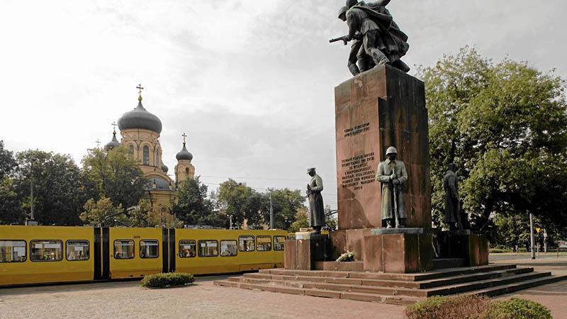 Памятник советско-польскому братству по оружию (Варшава).