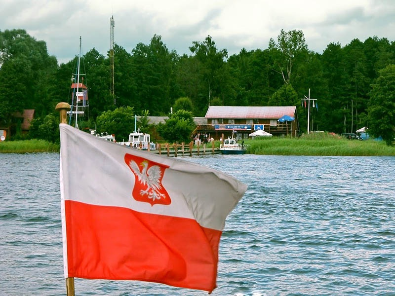 Этот небольшой польский городок на востоке страны когда-то давным-давно по-немецки назывался Арыс (Arys), а по-прусски Арис (Aris).