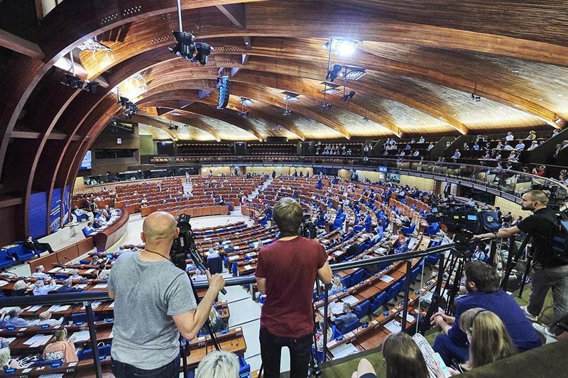 СМИ внимательно следят за происходящим на сессии ПАСЕ.