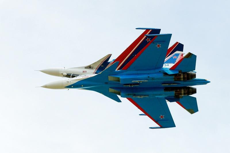 «Русские витязи» продемонстрировали савое мастерство в условиях низкой и плотной облачности.