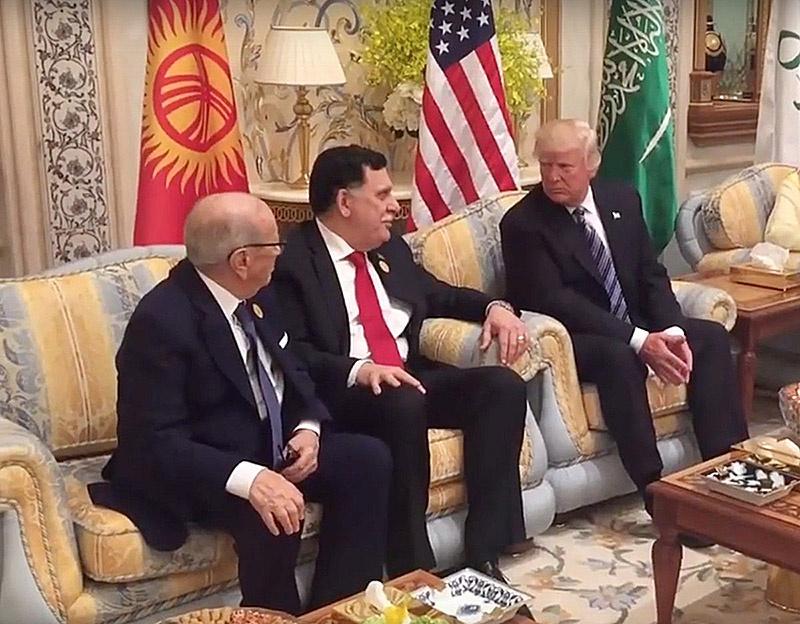 Фаиз Сарадж в декабре 2017 года удостоился встречи с Дональдом Трампом.