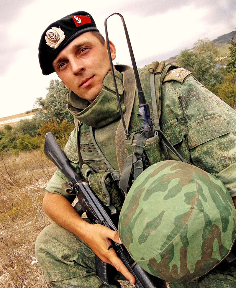 Морской пехоты капитан. А. Кузнецов.