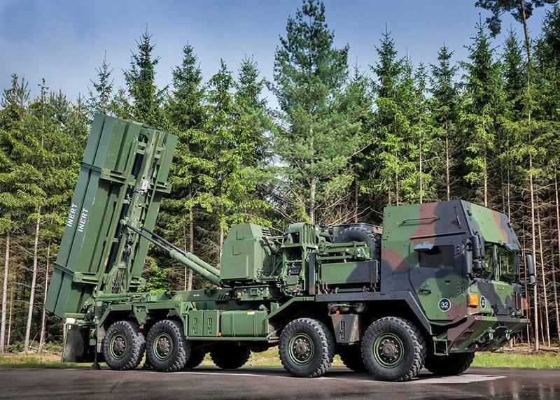 MEADS или Medium Extended Air Defence System, что в переводе – средняя система ПВО.