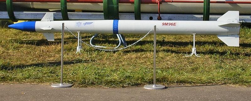 Средние и малые ракеты из арсенала чудо-богатыря имеют ювелирную точность за счёт уникального газодинамического двигателя.