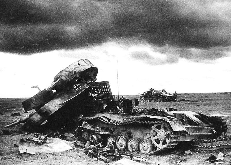 Немецкий танк Pz.Kpfw. IV, уничтоженный во время боя под Прохоровкой.