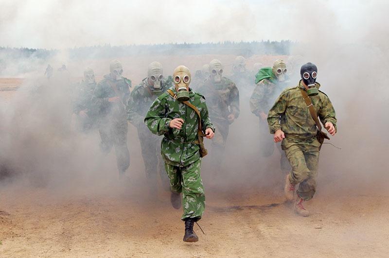 «Военизированная эстафета» с полосой препятствий и каскадом силовых заданий.