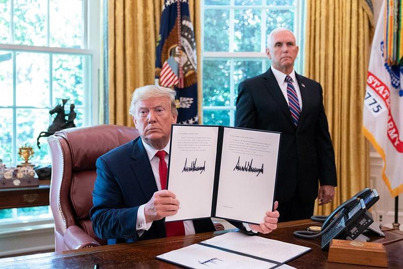 Президент США Дональд Трамп подписал в июне новые санкции против Ирана.