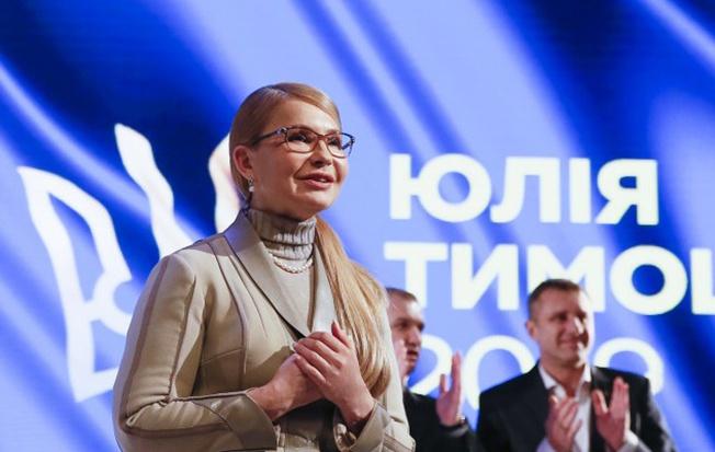 Вариант коалиции с Тимошенко, постоянно заявляющей о своих премьерских амбициях, означает перманентную дестабилизацию.
