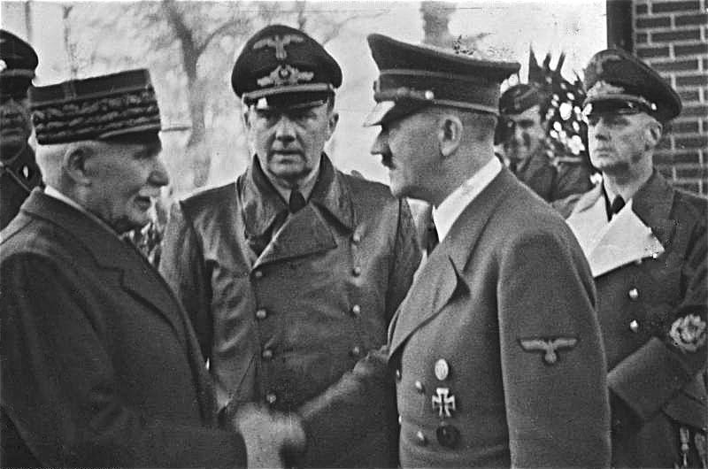 Глава правительства Виши маршал Петэн и Адольф Гитлер: от ненависти к дружбе.