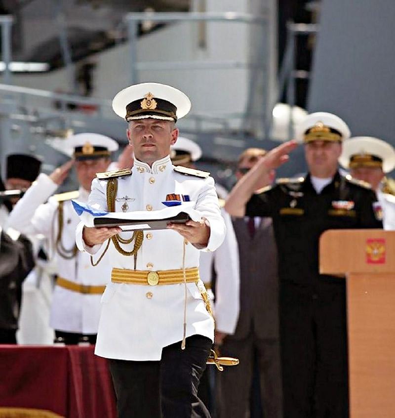 Торжественный ритуал подъёма Андреевского флага на ПК «Дмитрий Рогачёв».