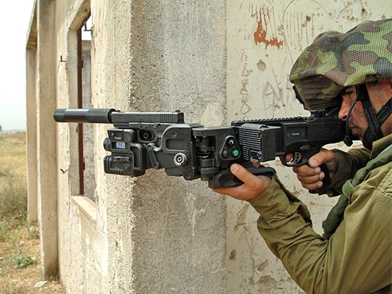 Пистолет-пулемет «Corner Shot», позволяющий стрелять из укрытий.
